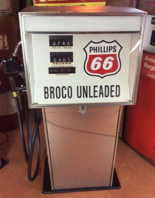 1970s Phillips 66 Bennett Gas Pump
